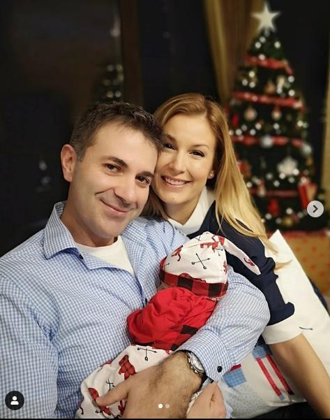 След уволнението на Венелин Петков: Николета го върна на върха СНИМКИНовиниИнформация