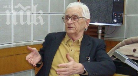Чичко Филипов още носи костюма си от 10 ноември 1989 г.