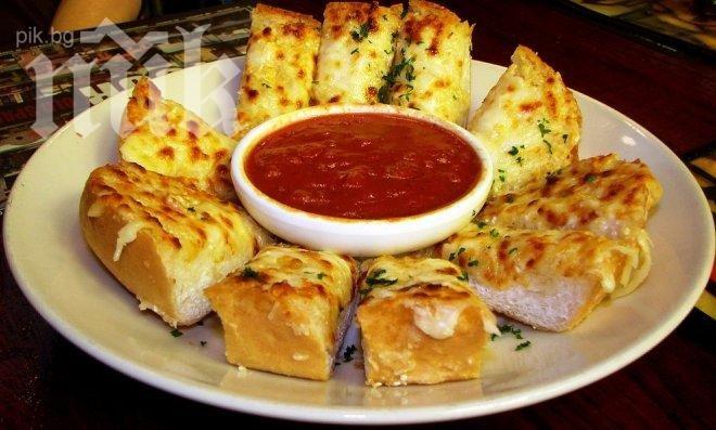 Хлебна фритата с яйца и сирене
