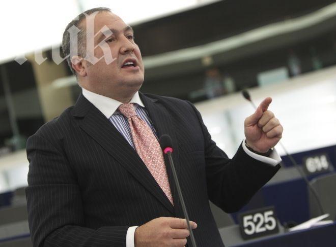 Бинев съди България, прагът за влизане в Европарламента бил незаконен
