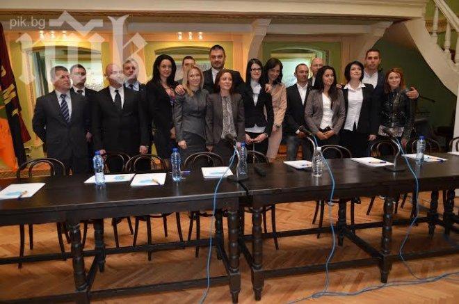 9 жени и 8 мъже в листата на Бареков за изборите - вижте кои са (снимки)