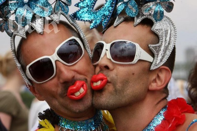 Роми не дават децата си на гейове