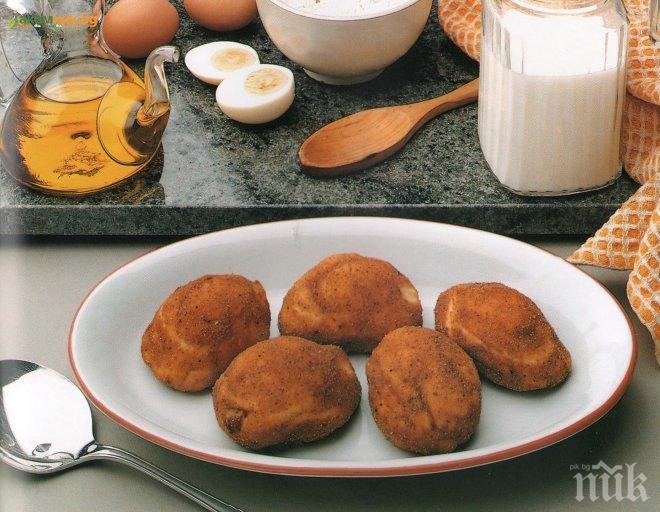 Панирани яйца с бекон