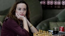 Стефанова с второ реми срещу Ушенина