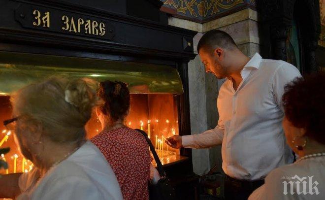 Николай Бареков почете празника на Варна