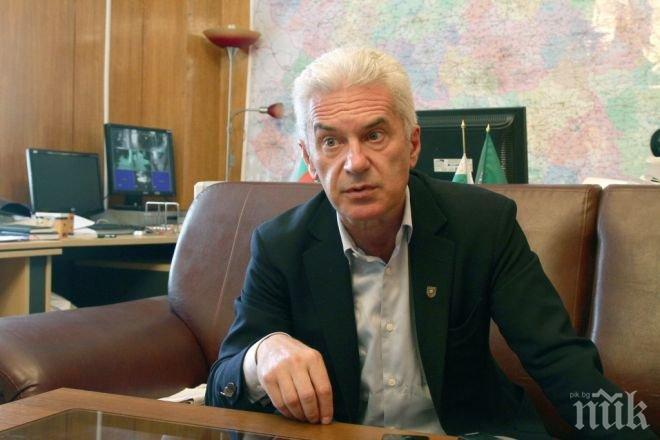 Сидеров: На срещата на НАТО Плевнелиев, Шаламанов и Митов отиват да получат заповеди от САЩ