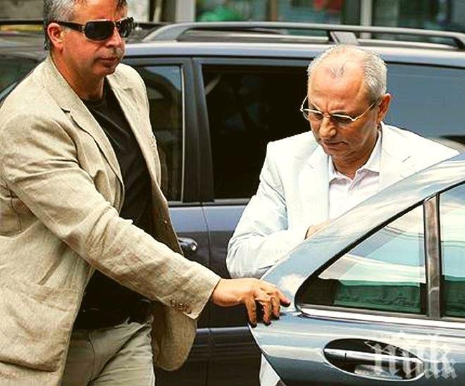 САМО В ПИК! Политик: Има сделка и примирие между Цветан Василев и Ахмед Доган! Откупи ли се избягалият банкер? Кой слага ръка на активите му?