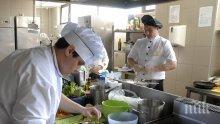 Главните готвачи във Варна със заплати до 2 000 лв.