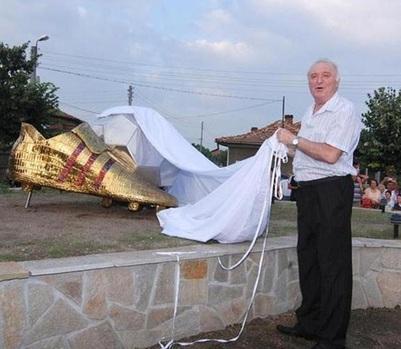 Петър Жеков: Меси има само ляв крак