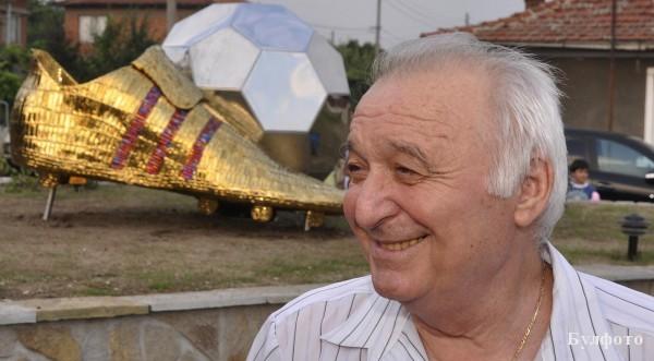 Петър Жеков: Меси има само ляв крак, десният му служи за подпиране!