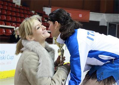 Албена награждава фигуристи в София