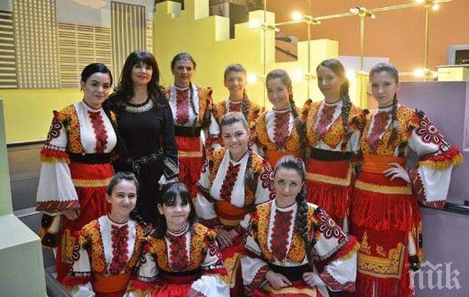 Дъщерята на Денис Ризов смени метъла с фолклора