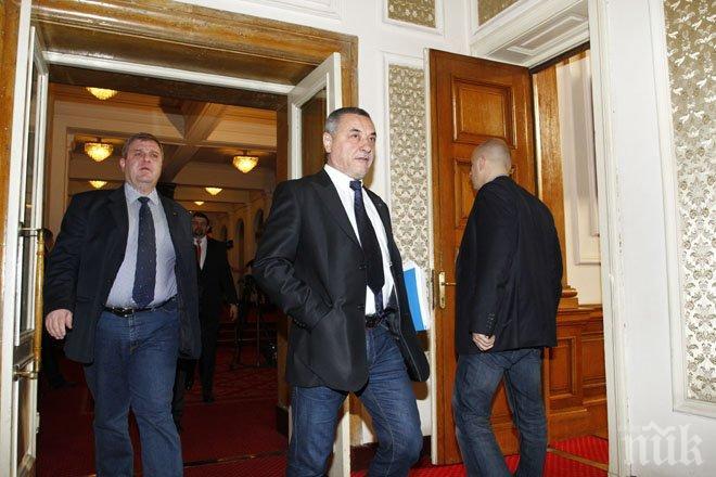 Симеонов и Каракачанов предлагат нов закон – режат партийните субсидии наполовина