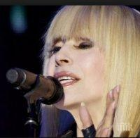 Първо в ПИК! Лили Иванова рухна - звездата съсипана от концерти, подпухна от безсъние (снимка)