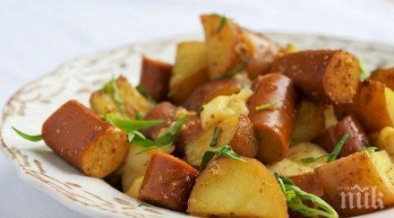 Запеканка от кренвирши и картофи