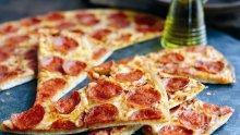 Домашна пица със салам