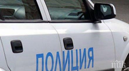 помориец наби полицай заради забележка неправилно паркиране