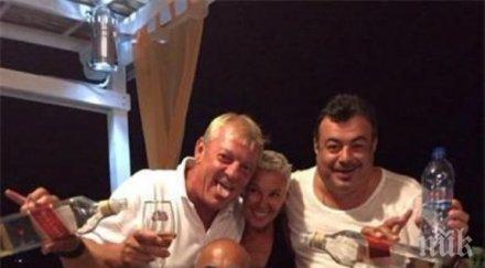 Иван Ласкин от гръцка таверна: Тука нема един пиян!