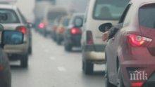 Тапа на Аспаруховия мост във Варна, шофьорите нервничат