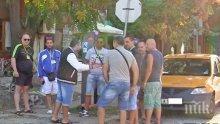 Копърки дебнат пасажерите от огромния кораб пред Пристанище Бургас, вижте дрескода на таксиджиите