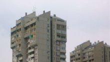Самоубиец скочи от осмия етаж