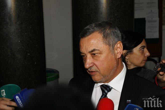 Валери Симеонов: Страната се управлява от некадърни и крадливи политици, защото е имало кой да ги избере