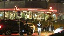 """Сензация в ПИК и """"Ретро""""! Слави Трифонов остана сам като куче - няма с кого да отиде на кино (папарашки снимки)"""