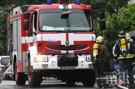 Три контейнера за смет и пожар в къща гасиха русенските огнеборци