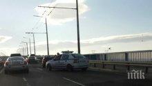 """Инцидент във Варна: Пометоха водач на кола на """"Пътна помощ"""""""