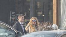 """САМО в ПИК и """"Ретро""""! Ваня Червенкова с нов мъж, бизнесдамата на среща със солиден господин (папарашки снимки)"""