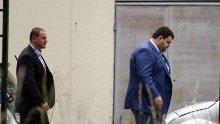 ИЗВЪНРЕДНО в ПИК! Чужденци подготвяли убийството на Пеевски! Мократа поръчка възложена на българин! Депутатът с охрана от НСО! (обновена)