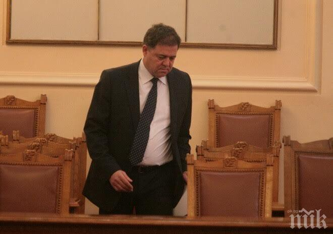 БЗНС: Оставката на Ненчев не стои на дневен ред