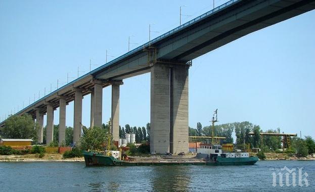 Затварят част от Аспаруховия мост във Варна за ремонт