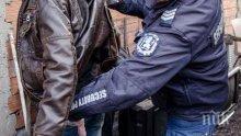 Побеснял мъж налетя на бой на полицаи