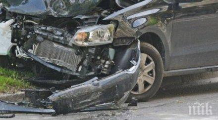 Две тежки катастрофи блокираха движението между Враца и Мездра (СНИМКИ)