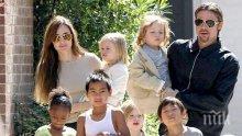 Брад Пит и Анджелина Джоли с нова вила на Майорка