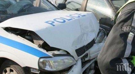 катастрофа патрулка фолксваген прати полицай болница