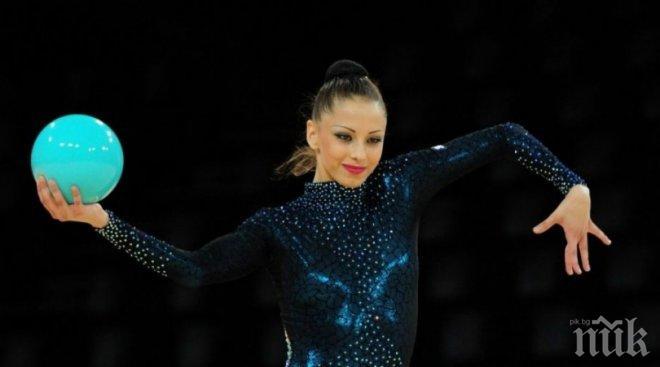 """САМО В ПИК И """"РЕТРО""""! 3 трагедии белязали фатално Цвети Стоянова - скандали и самоубийства в семейството на красивата гимнастичка"""