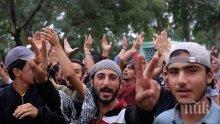 Млади мигранти нападат жени по време на музикален фестивал