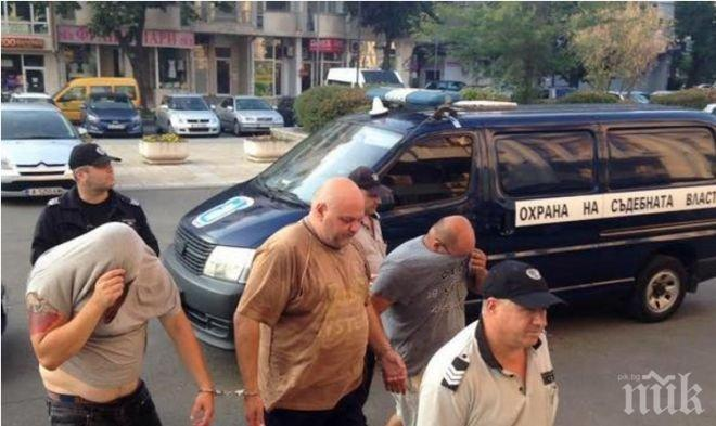 Каналджийте от Хасково били жестоки! Натъпкали в буса кървяща жена и пищящи бебета