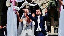 ГОРЕЩО В ПИК! Наско Месечков вдигна сватба за чудо и приказ в двореца на кралица Мария (ЕКСКЛУЗИВНИ СНИМКИ)