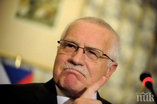 Бивш президент на Чехия протестира без маска в ресторант