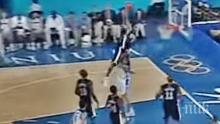 КУЛТОВИ КАДРИ! Винс Картър отново се записа със златни букви в историята на баскетбола! Шок за Сан Антонио