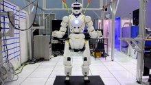 Бунтът на машините! Робот нападна човек