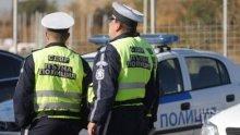 ЛУД ЕКШЪН В БУРГАС! Руснак наби с юмруци полицай, скъса пагона му и отказа да предаде ножа си