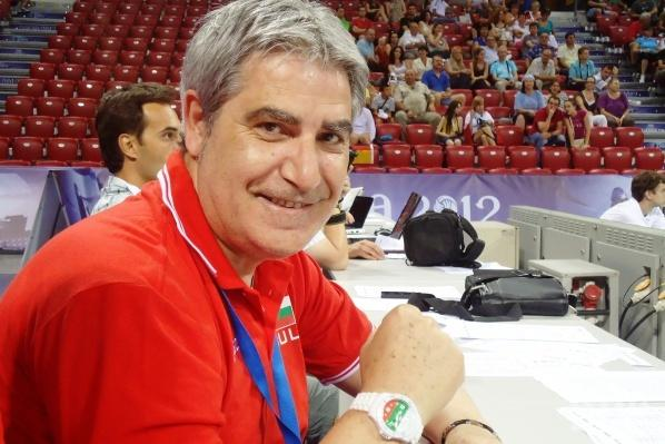 Камило Плачи поема шампиона Хебър