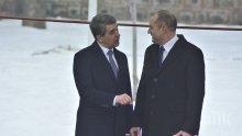 България с един пилот! Държавата увисва на едното президентство