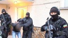 Екшън в Бургас: Полицаи удариха квартирата на известен дилър