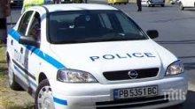 Пиян с джип се вряза в паркирана патрулка