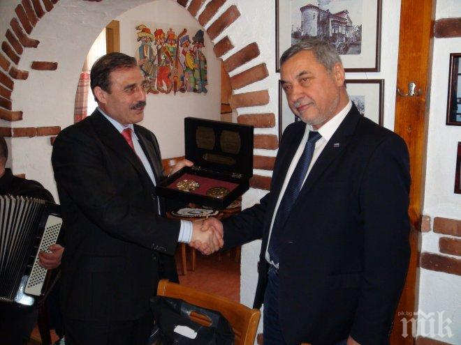 Валери Симеонов: Бесарабските българи са огромен потенциал за страната ни! (СНИМКИ)